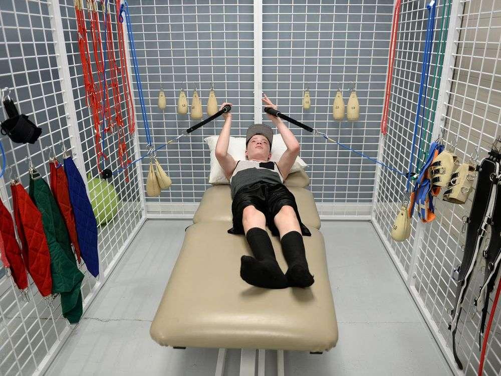 Кінезотерапія дітей в положенні лежачи